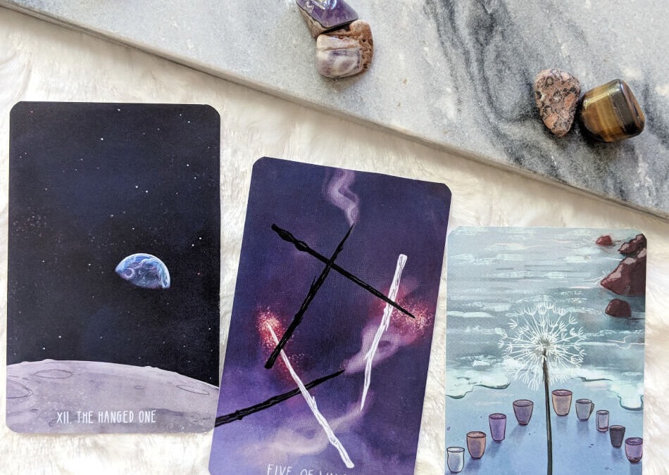 What's the difference between the first and second edition of the Spacious Tarot?